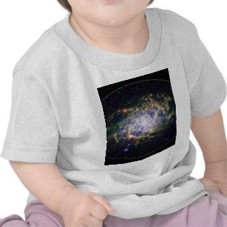 Uno de nuestros vecinos galácticos más cercanos camisetas