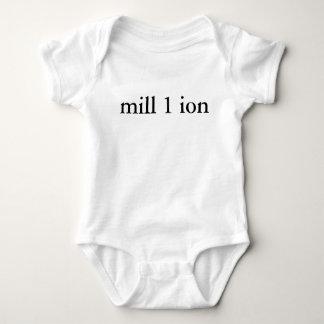 Uno en camisa de millón de bebés