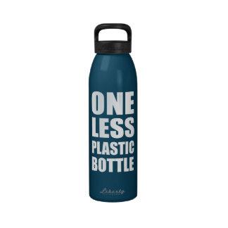 Uno menos botella plástica botella de agua