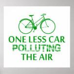 Uno menos coche que contamina el aire posters