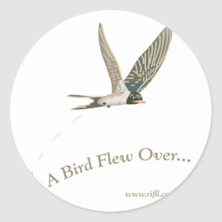 Uno-Pájaro-Volar-Sobre Pegatina Redonda