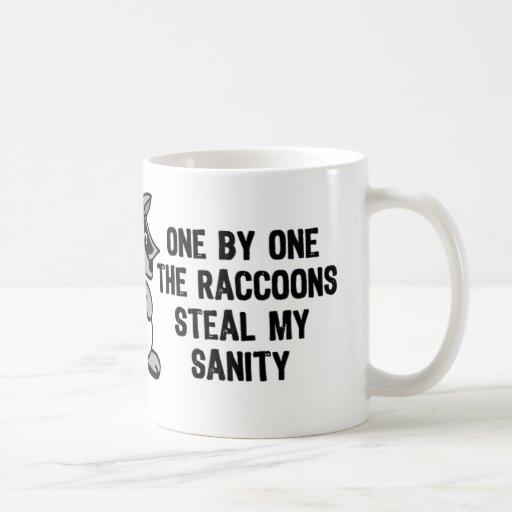 Uno por uno los mapaches taza de café