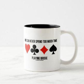Uno puede nunca pasar demasiada hora que juega el  taza dos tonos