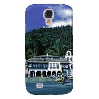 Up there on the top. funda para galaxy s4
