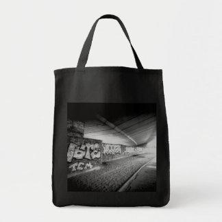 URBAN CHIC - LONDON BLACK AND WHITE PHOTO Tote Bag