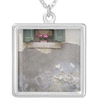Urban decay square pendant necklace