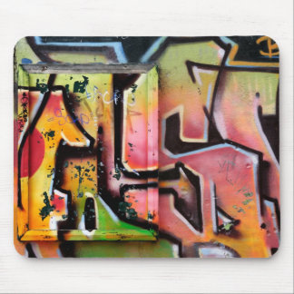Urban graffitis mouse pad