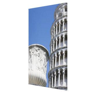 Urna grande al lado de la torre inclinada de Pisa, Lona Envuelta Para Galerias