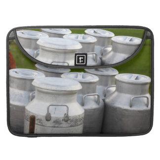 Urnas de la leche fundas para macbook pro