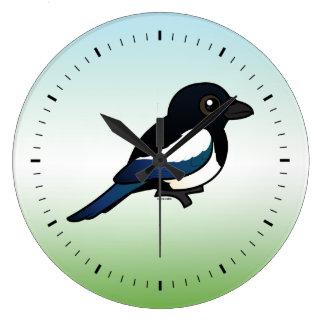 urraca Negro-cargada en cuenta Reloj