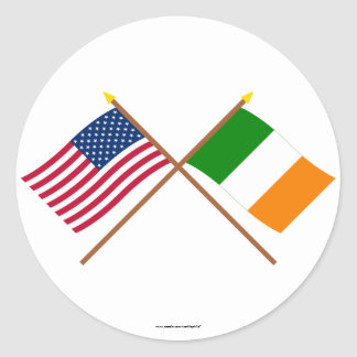 US and Ireland Crossed Flags Classic Round Sticker