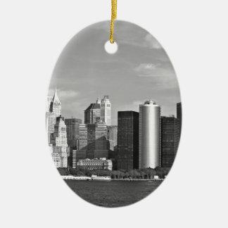 US Cityscape: New York Skyline #2 [Grayscale] Ceramic Ornament