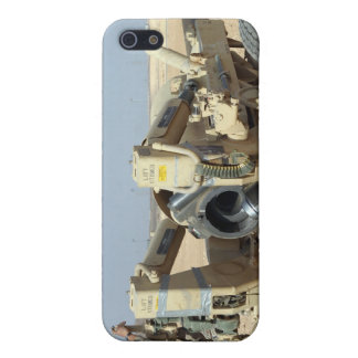 US Marines prepare to fire a howitzer 2 Cover For iPhone SE/5/5s