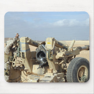 US Marines prepare to fire a howitzer 2 Mouse Pad