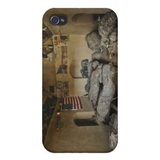 US Soldiers sleep in an abandoned mud house iPhone 4/4S Case