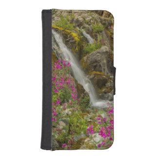 USA, Alaska, Glacier Bay National Park. Fireweed iPhone SE/5/5s Wallet Case