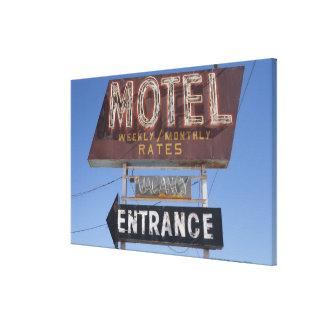 USA, Arizona, Winslow, Old-fashioned motel sign