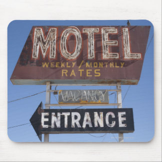 USA, Arizona, Winslow, Old-fashioned motel sign Mouse Pad