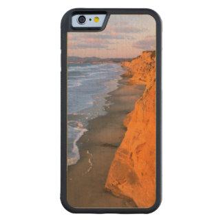 USA, California, Cliffs At Pescadero State Beach Carved® Maple iPhone 6 Bumper