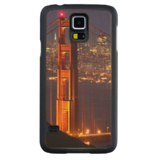 USA, California. Golden Gate Bridge At Night Carved® Maple Galaxy S5 Slim Case