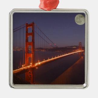 USA, California, Marin. Moonrise above the Metal Ornament
