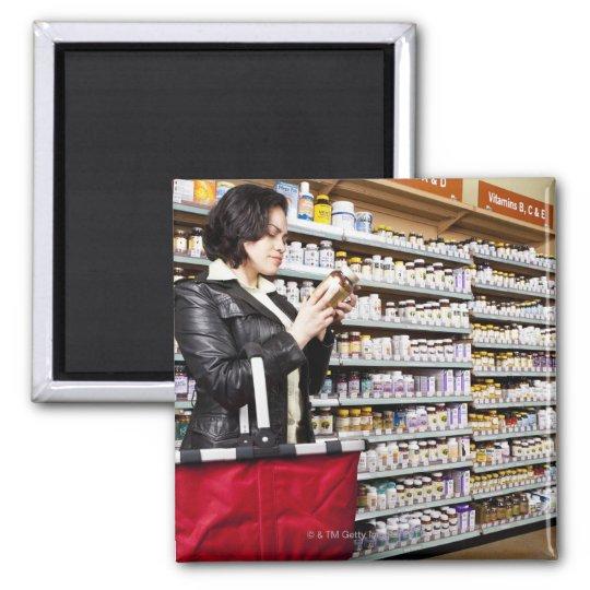 USA, California, San Rafael, Woman shopping in Magnet