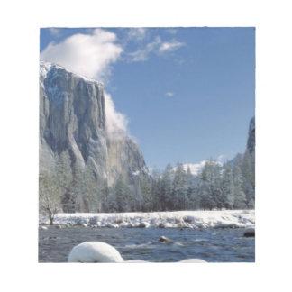 USA, California, Yosemite NP. The Merced River, Notepad