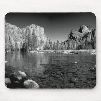 USA, California. Yosemite Valley View Mouse Pad