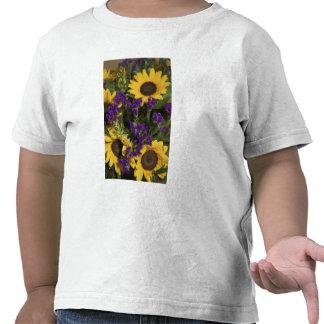 USA, close-up of bridal flower arrangement, Tshirts