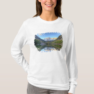 USA, Colorado, Maroon Bells-Snowmass T-Shirt