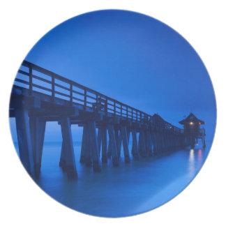 USA, Florida, Gulf Coast, Naples, Naples Pier Party Plates