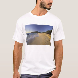 USA, Hawaii, Maui, Footprints in sand, Makena T-Shirt
