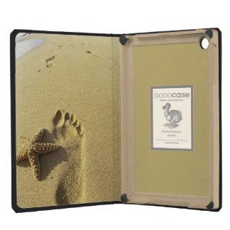 USA, Hawaii, Maui, Makena Beach, Footprint and iPad Mini Case