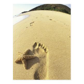 USA, Hawaii, Maui, Makena Beach, Footprint and Postcard
