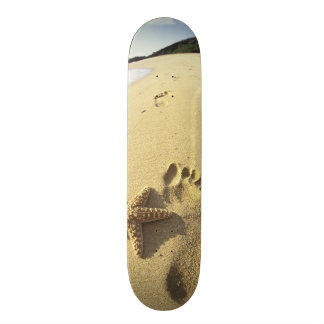 USA, Hawaii, Maui, Makena Beach, Footprint and Skateboard