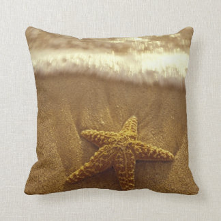 USA, Hawaii, Maui, Maui, Kihei, Starfish Throw Pillow