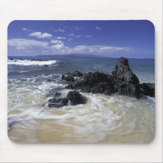 USA, Hawaii, Maui, Maui, Makena Beach, Surf on Mouse Pad