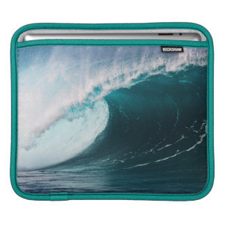 USA, Hawaii, Oahu, Large waves Sleeves For iPads
