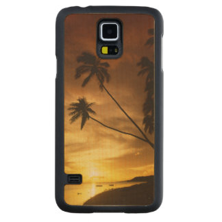 USA, Hawaii. Sunset on Molokai. Carved Maple Galaxy S5 Slim Case