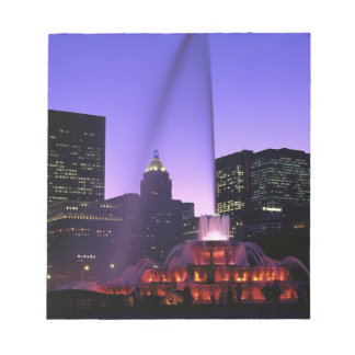 USA, IL, Chicago. Buckingham Fountain in Grant Notepad