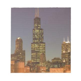 USA, Illinois, Chicago: City Skyline / Evening Notepad