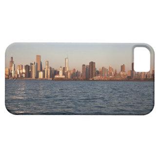 USA, Illinois, Chicago, City skyline over Lake iPhone SE/5/5s Case