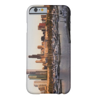 USA, Illinois, Chicago harbor and skyline Barely There iPhone 6 Case