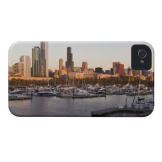 USA, Illinois, Chicago harbor and skyline iPhone 4 Case-Mate Case