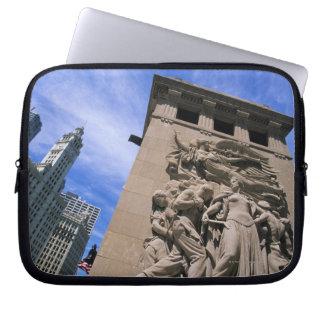 USA, Illinois, Chicago, Michigan Avenue Bridge Laptop Sleeve