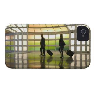 USA, Illinois, Chicago: O'Hare International Case-Mate iPhone 4 Case