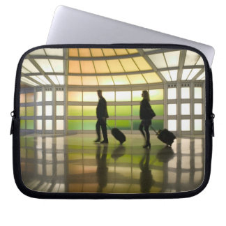 USA, Illinois, Chicago: O'Hare International Laptop Sleeve