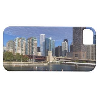 USA, Illinois, Chicago skyline across river iPhone SE/5/5s Case