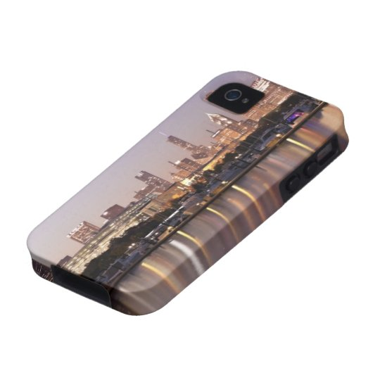 USA, Illinois, Chicago skyline at dusk Case-Mate iPhone 4 Cover