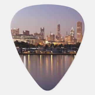 USA, Illinois, Chicago skyline at dusk Pick